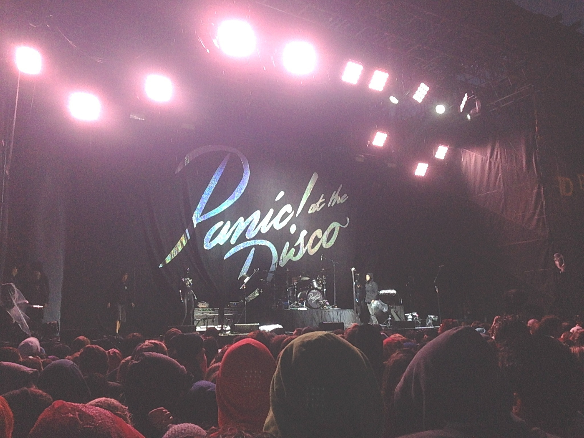 Save Rock And Roll Tour Fall Out Boy Panic At The Disco